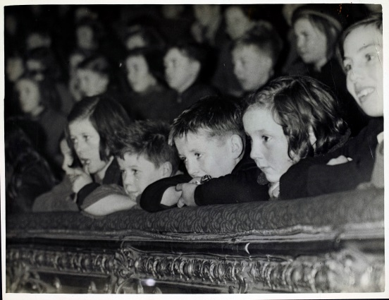 "MS 50,000/149/103 – Photograph from the Irish Film Society: ""Children at film show"""